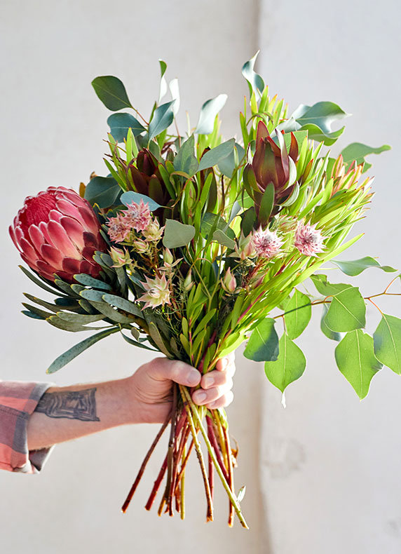 Valentine's Day Bouquets | fresh cuts to send best friends